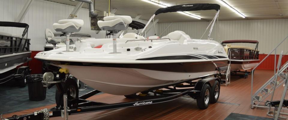Hallberg Marine Minnesotas Largest Boat Pontoon And Marine