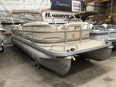 Used Boats - Hallberg Marine